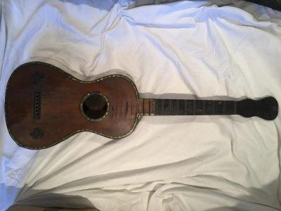 Guitare début XIX ème siècle signéeThibout.