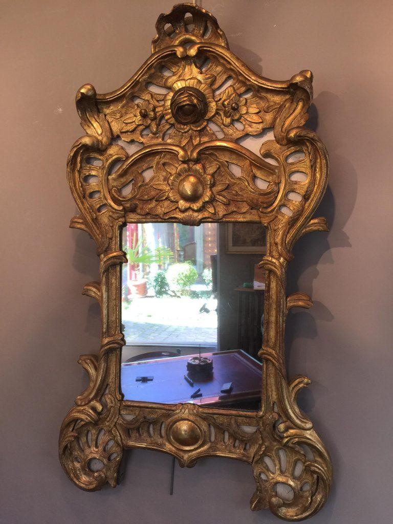 Miroir italien du XVIII ème siècle.
