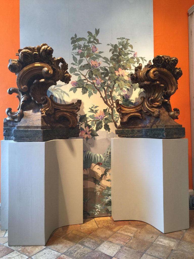 Paire de sculptures décoratives fin XVIIème siècle début du XVIII ème siècle.