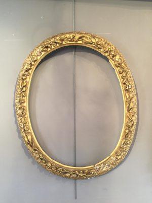 Cadre ovale d'époque Louis XIII.
