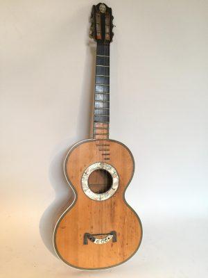 Guitare classique vers 1820 signé Henry LÉTÈ.