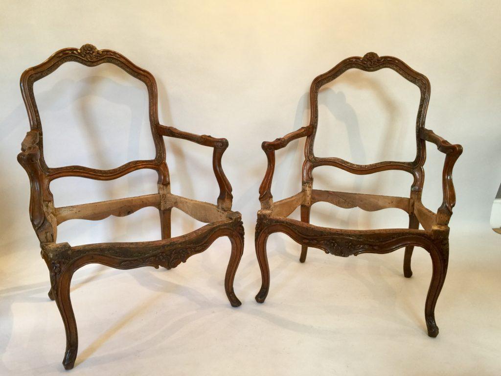 Paire de fauteuil d'époque Louis XV.