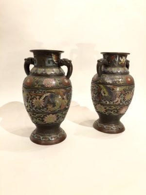 Paire de vases cloisonnés d'epoque Du début du XX éme siècle.