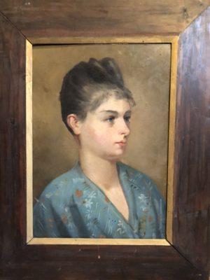 Portrait d'une jeune femme.