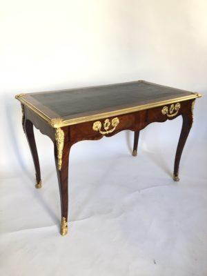 Bureau plat  d'époque Louis XV