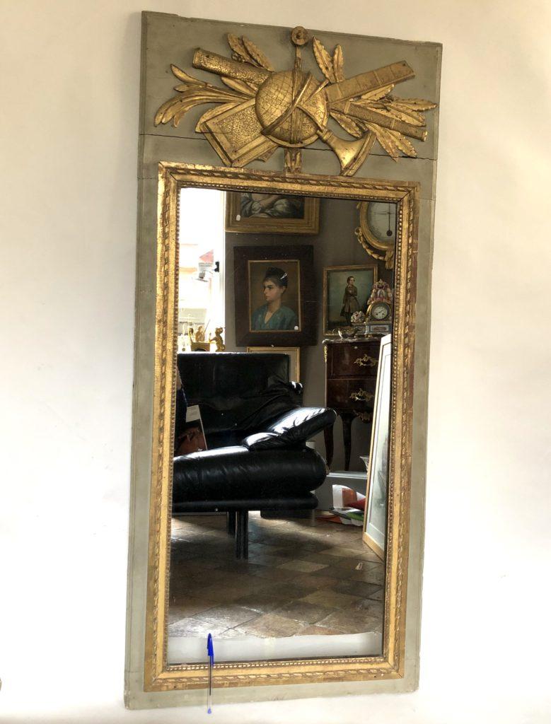 Miroir d'époque Louis XVI.