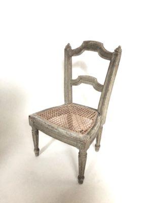 Chaise d'enfant d'époque Louis XVI.
