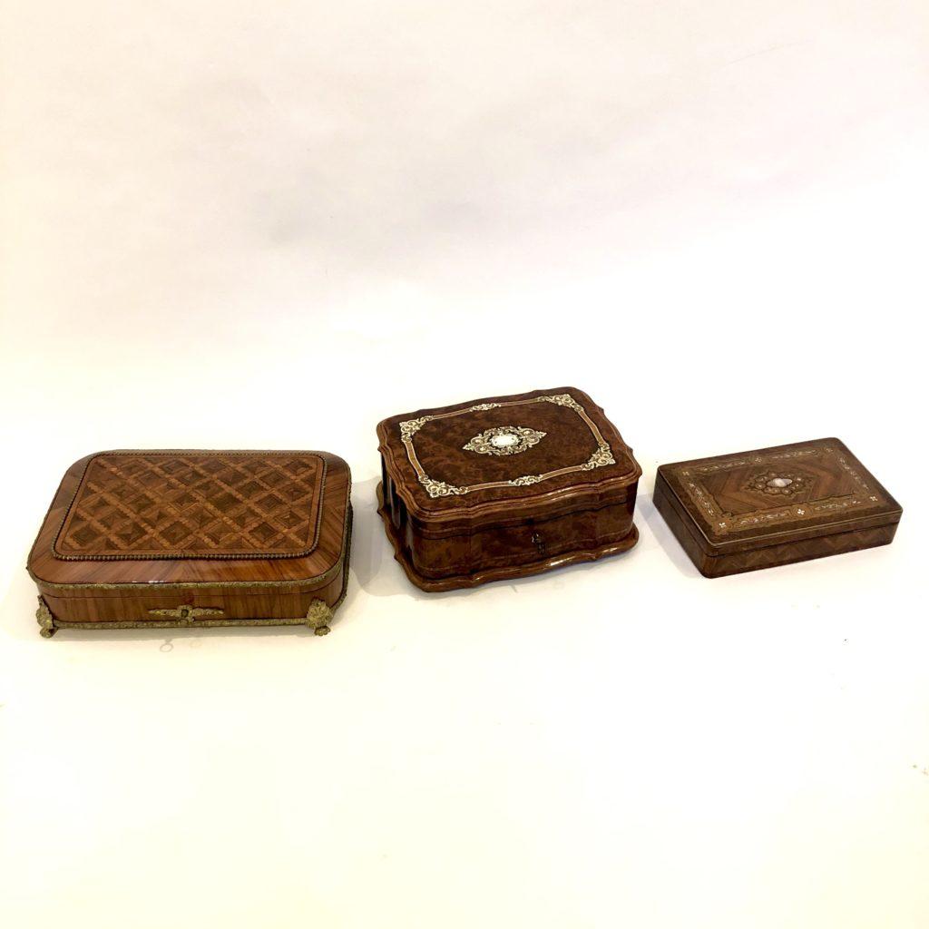 Coffrets d'époque Napoleon III en marqueterie.