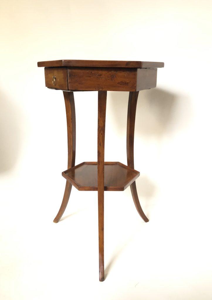 Petit Gueridon début XIX éme siècle.