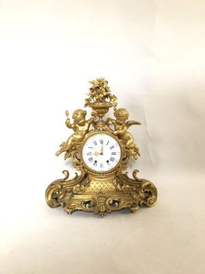 Pendule d'époque Napoleon III en bronze doré.
