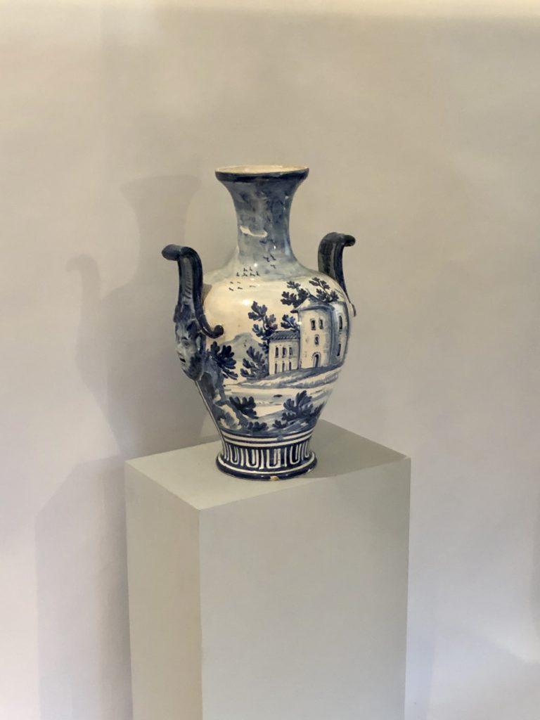 Vase en céramique du XIX éme siècle.